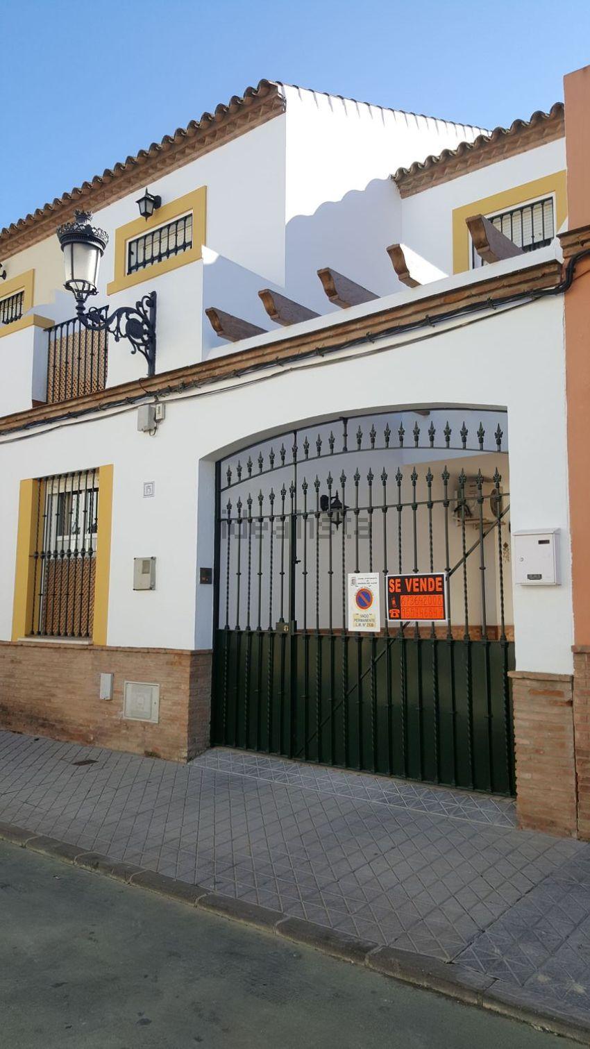 Chalet adosado en calle Fernando Villalón, 15, Mairena del Alcor
