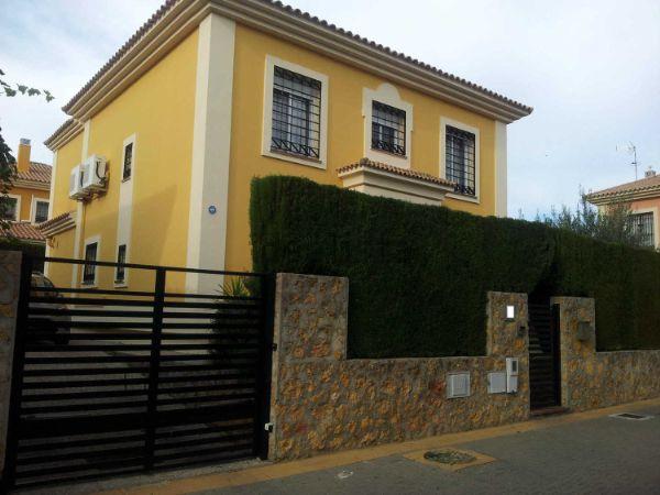 Casa O Chalet Independiente En Venta En Calle Yuca 40
