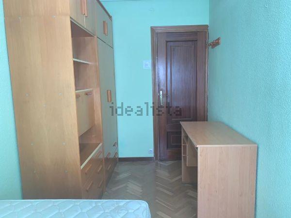 Imagen Habitación de piso en calle de Arciniega, 21, Valdezarza, Madrid