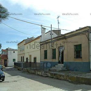 Chalet adosado en calle los Infantes, 3