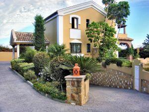 Casa independiente en barrio Sotoserena