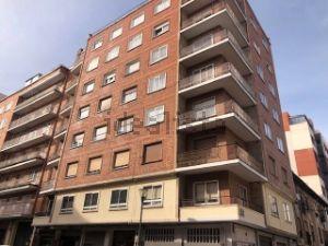 Piso en calle Martín Antolínez