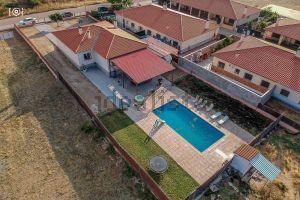 Casa independiente en Urbanizacion Villa del Pino