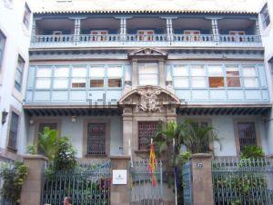 Edificio en calle la Marina, 57