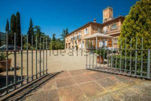Chalet estilo toscano en Alella