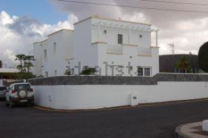 Casa independiente en calle Gracian