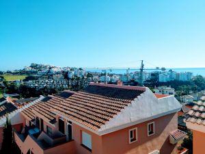 Dúplex en calle Topacio de Riviera