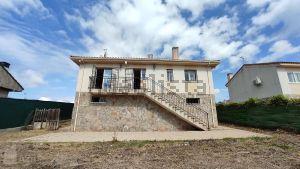 Casa independiente en calle Mondéjar