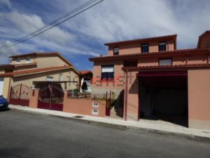 Casa independiente en Amoeiro