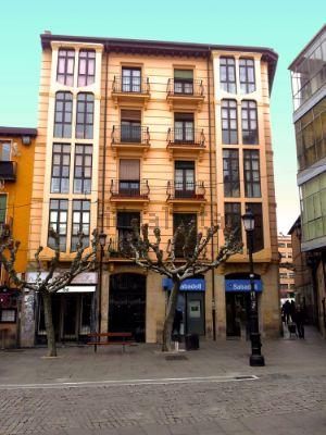 Piso en plaza Ramón Benito Aceña, 3