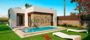 Casa independiente en calle Granja de Rocamora s/n