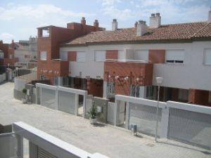Chalet adosado en urbanización Mirador de Montelar, 5