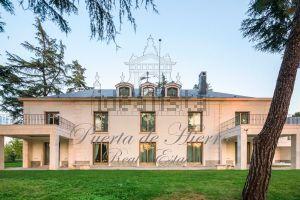 Casa independiente en Urb. puerta de hierro barrio Ciudad Universitaria