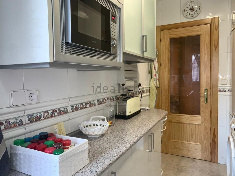 Imagen Cocina de piso en calle Chisperos, Los Cármenes, Madrid