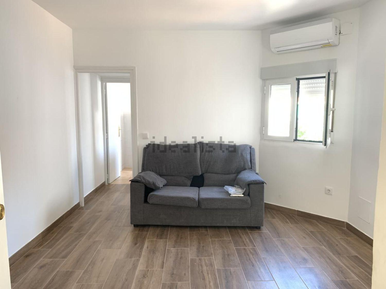 Imagen Salón de piso en calle Girasol, Buena Vista, Madrid