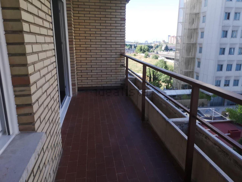Imagen Terraza de piso en calle de Mauricio Legendre, Castilla, Madrid