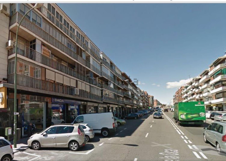 Imagen Vistas de piso en calle de la Oca, Vista Alegre, Madrid