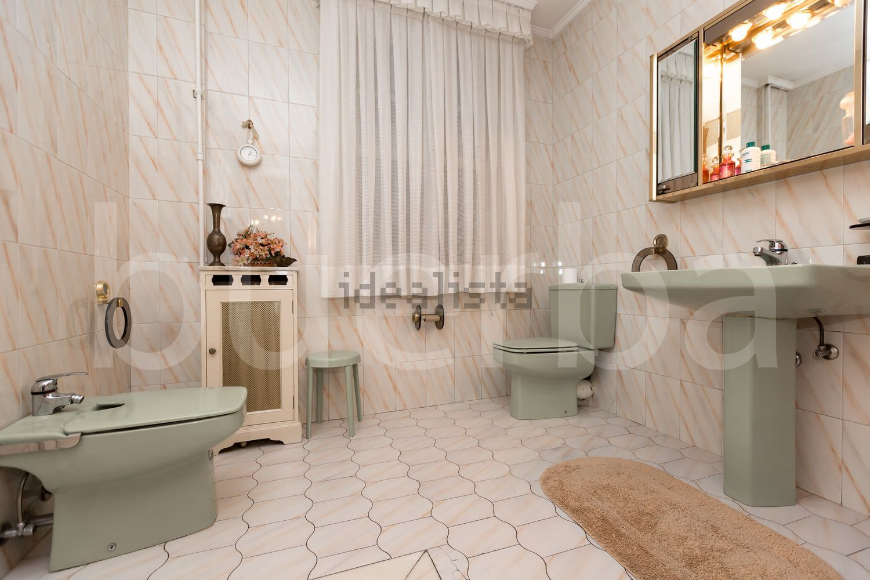 图片浴室地板在街道ColondeLarreátegui,Ensanche-Moyua,毕尔巴鄂