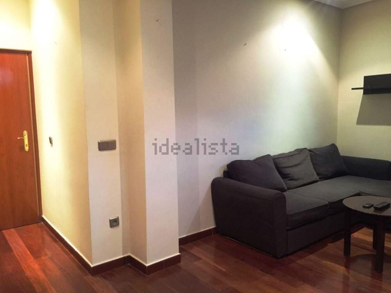 Imagen Salón de piso en calle del Mesón de Paredes, 84, Lavapiés-Embajadores, Madrid