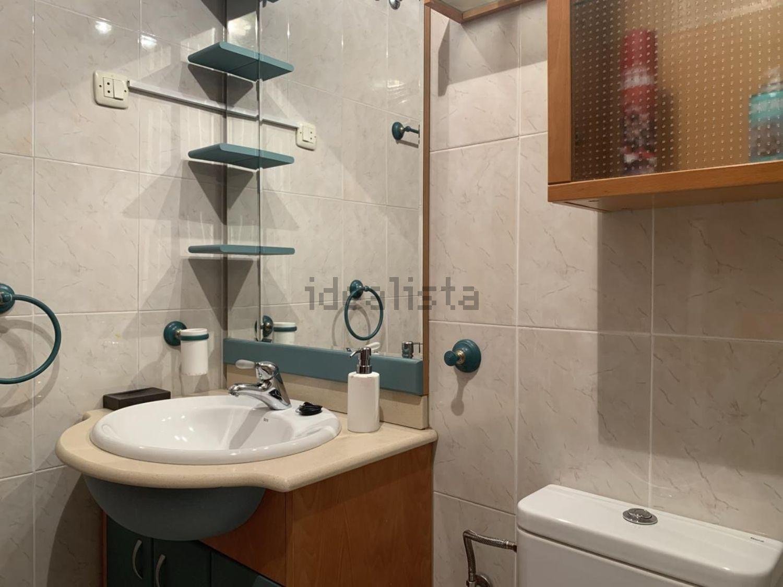 Imagen Baño de piso en calle de los Carrascales, 16, Pradolongo, Madrid
