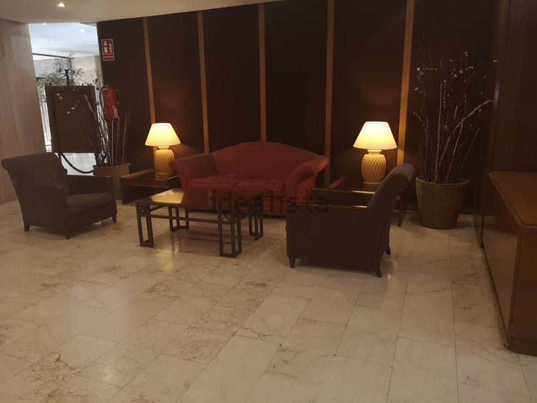Imagen Salón de piso en calle de Mauricio Legendre, Castilla, Madrid