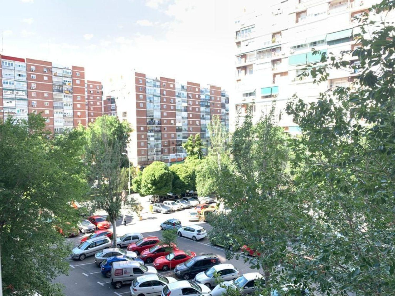 Imagen Vistas de piso en calle del Puerto de Maspalomas, 5, Pilar, Madrid