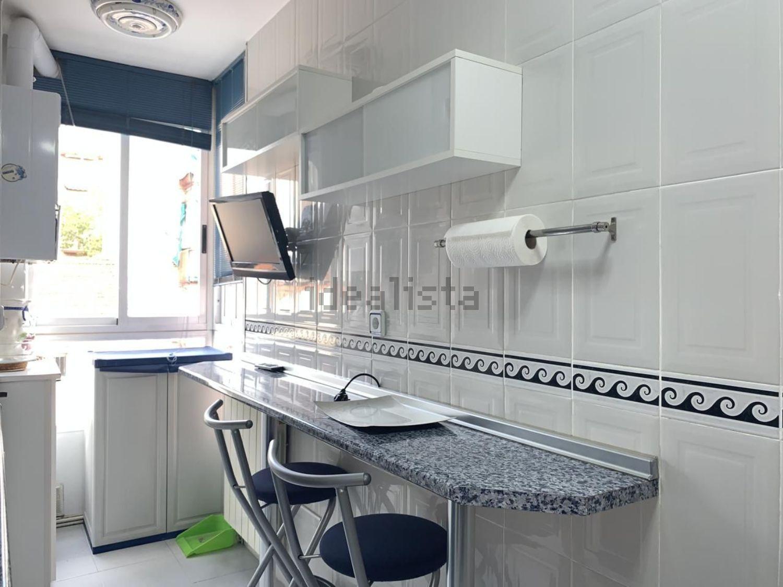 Imagen Cocina de piso en calle de los Carrascales, 16, Pradolongo, Madrid