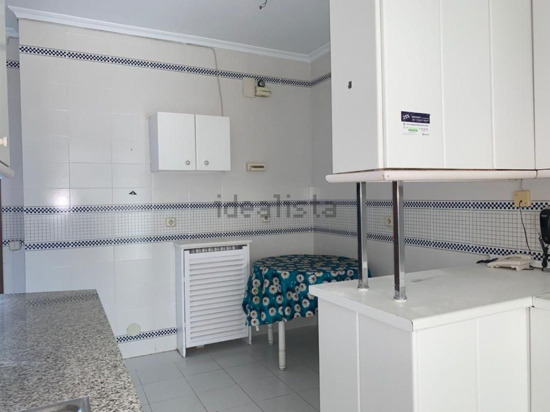 Imagen Cocina de piso en calle de Orense, 32, Cuatro Caminos, Madrid