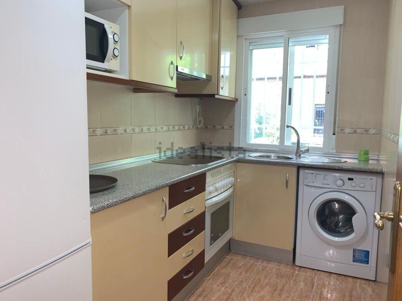 Imagen Cocina de piso en calle de Lorca, 11, Pinar del Rey, Madrid