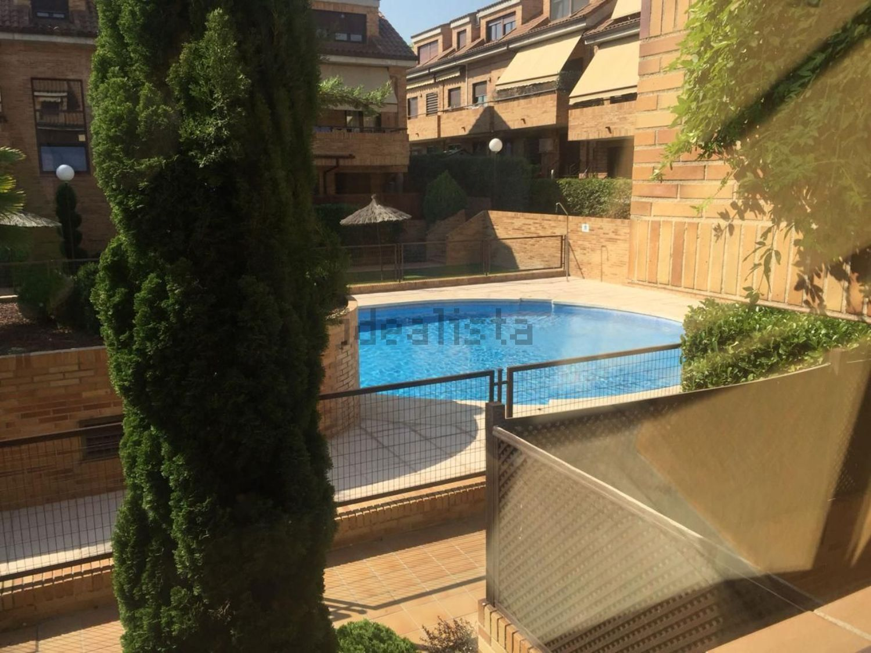 Imagen Piscina de dúplex en calle Gorrión, Sevilla la Nueva