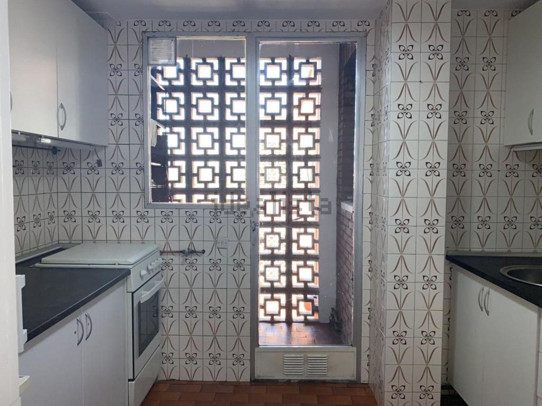 Imagen Cocina de piso en avenida de la Constitución, 33, Mejorada del Campo