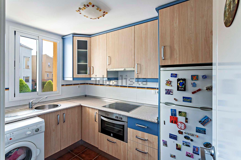 Imagen Cocina de piso en avenida Ciudad de Tarragona, 2, Vera Playa Naturista, Vera