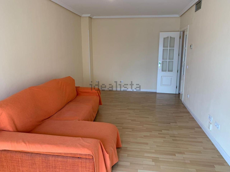 Imagen Salón de piso en calle Antonio Romero, 16, Abrantes, Madrid