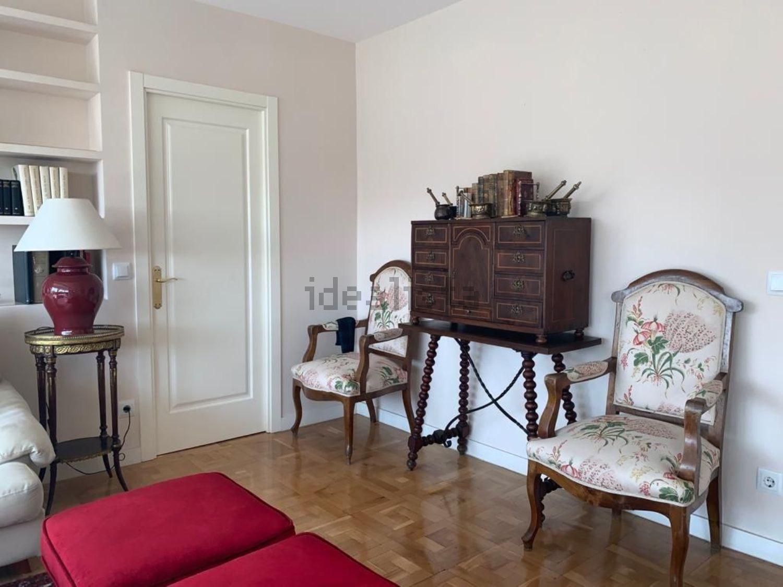 Imagen Salón de piso en avenida de Alfonso XIII, 152, Nueva España, Madrid