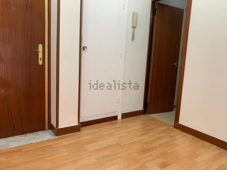 Imagen de piso en calle Ariza, 130, Los Cármenes, Madrid