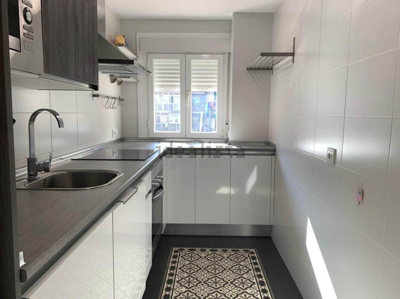 Imagen Cocina de piso en calle de Diana, 20, Canillejas, Madrid