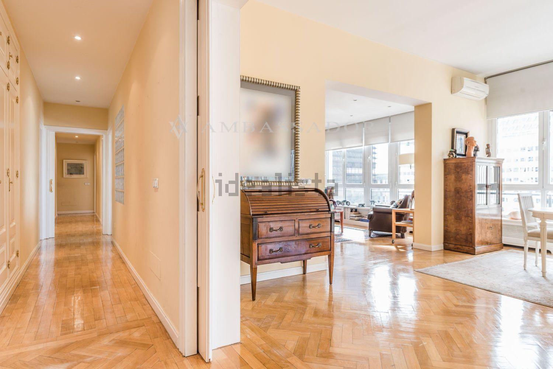 图片马德里Chamartín的起居室