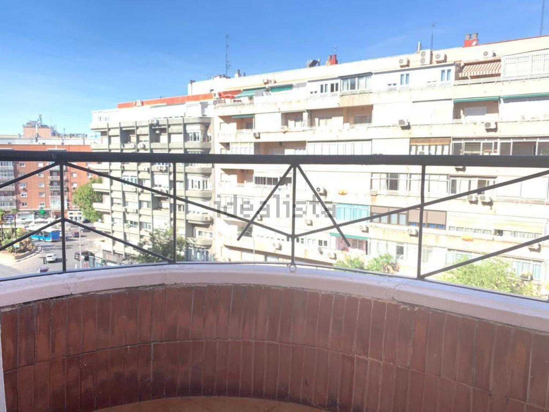 Imagen Terraza de piso en calle del Doctor Esquerdo, 169, Estrella, Madrid
