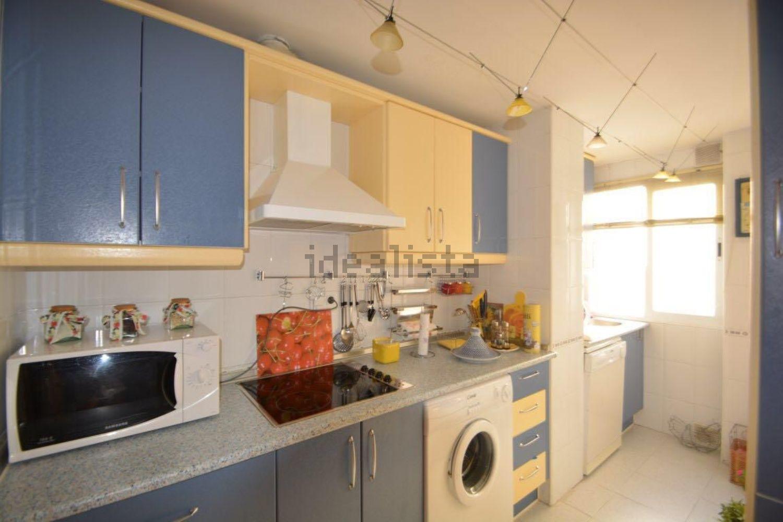 Imagen Cocina de piso en avenida Arias de Velasco, 58, La Patera, Marbella