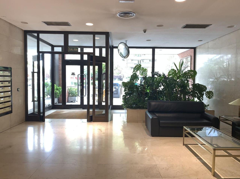 Imagen Salón de piso en calle de Sor Ángela de la Cruz, 22, Cuzco-Castillejos, Madrid