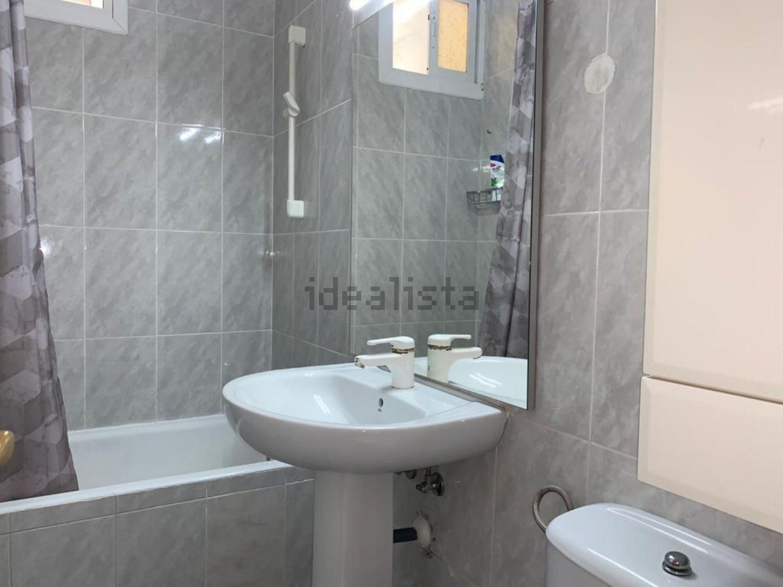 Imagen Baño de piso en calle Copenhague, 12, Noreste, Torrejón de Ardoz