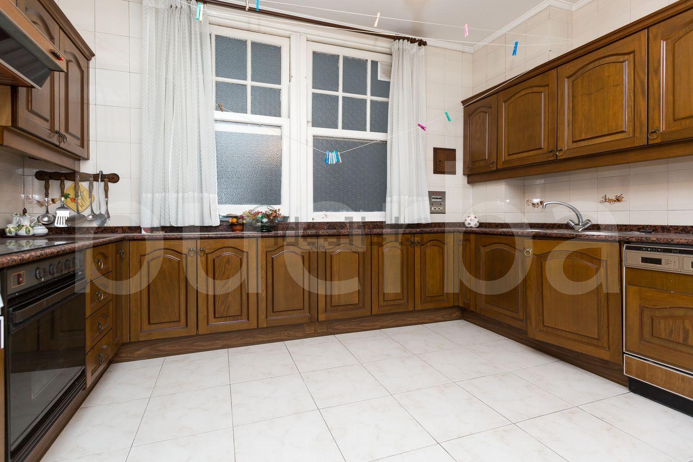 图片厨房地板在街道ColondeLarreátegui,Ensanche-Moyua,毕尔巴鄂