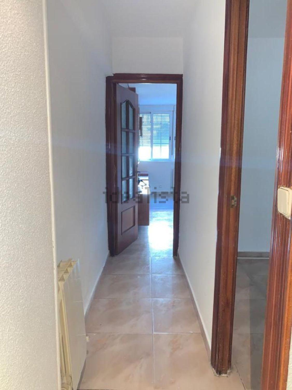 Imagen Pasillo de piso en calle del Puerto de Maspalomas, 5, Pilar, Madrid