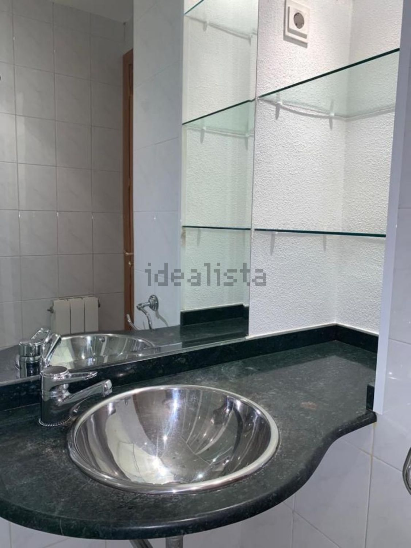 Imagen Baño de piso en avenida Cristóbal Colón, 13, Noreste, Torrejón de Ardoz