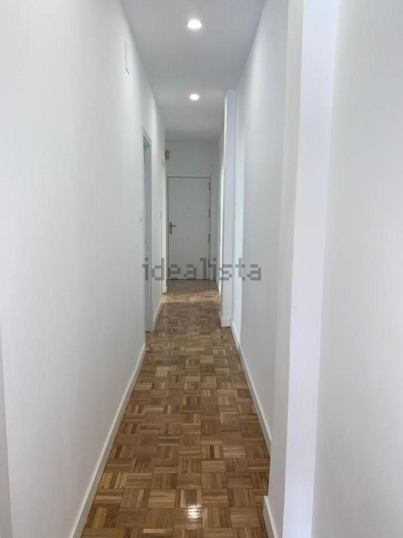 Imagen Pasillo de piso en calle del Doctor Esquerdo, 169, Estrella, Madrid