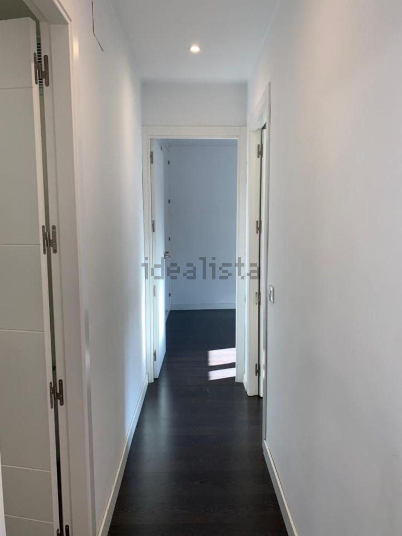 Imagen Pasillo de piso en calle de Diana, 20, Canillejas, Madrid
