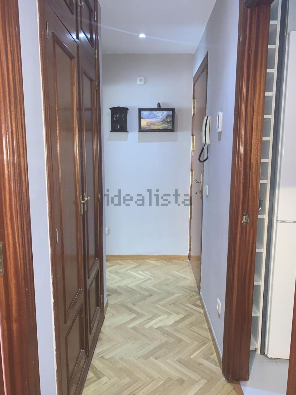 Imagen Pasillo de piso en calle de los Carrascales, 16, Pradolongo, Madrid