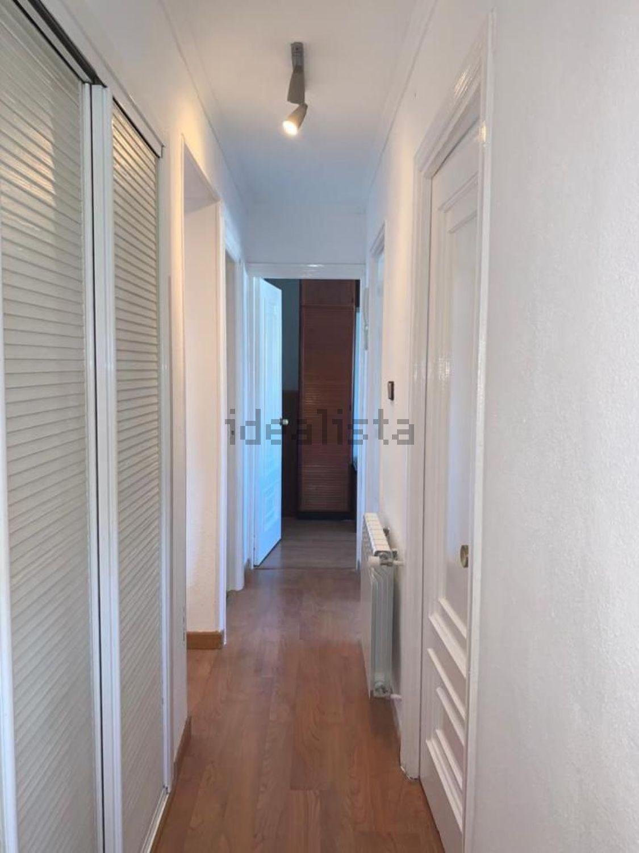 Imagen Pasillo de piso en avenida de Monforte de Lemos, 111, Pilar, Madrid