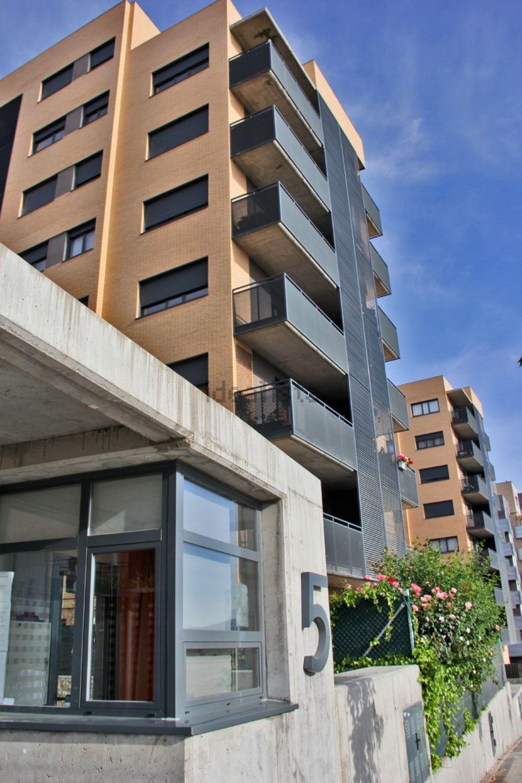 Alquiler de piso en avenida madrid, 5, Primera Fase - Nuevo Tres ...