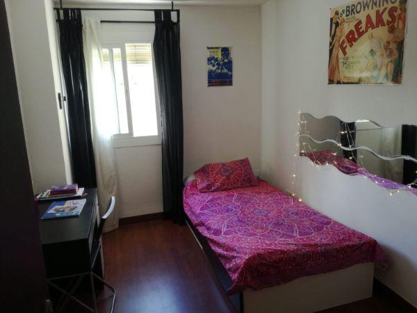 Alquiler de habitación en calle de Cuart de Poblet, 109, Lucero, Madrid